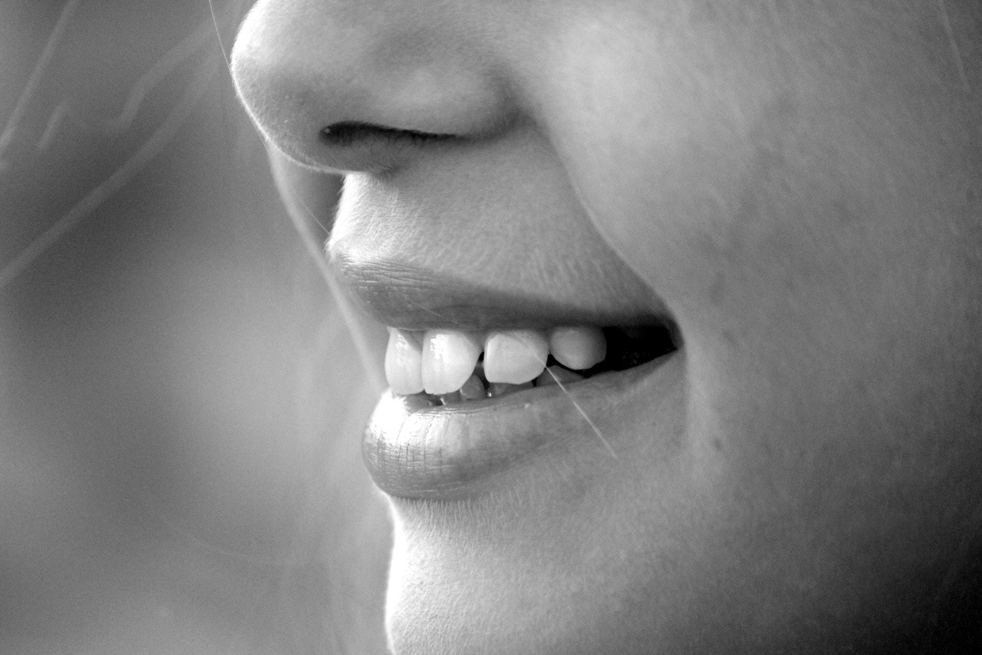 Les 10 aliments qui tachent les dents