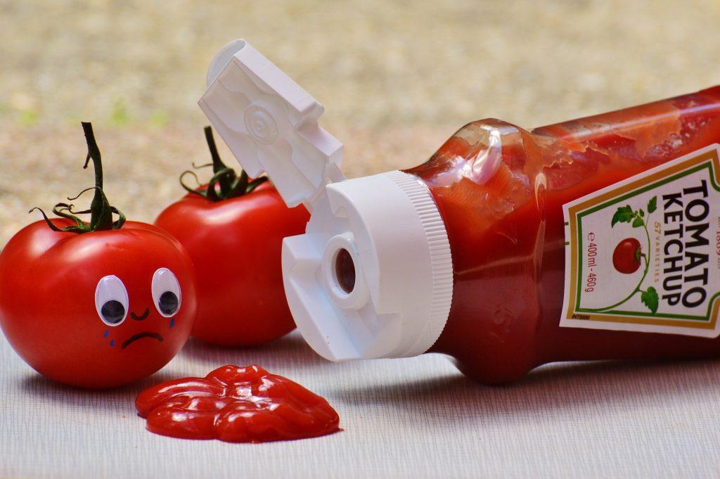 les aliments qui tachent les dents: le ketchup